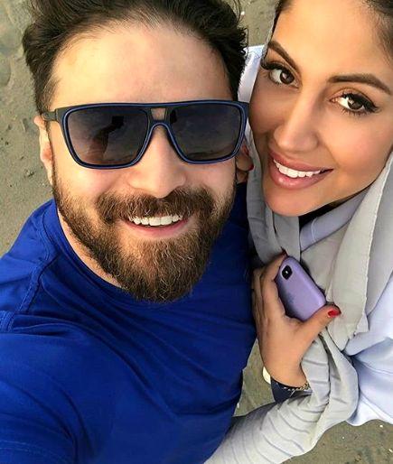عکس بابک جهانبخش و همسرش در ساحل