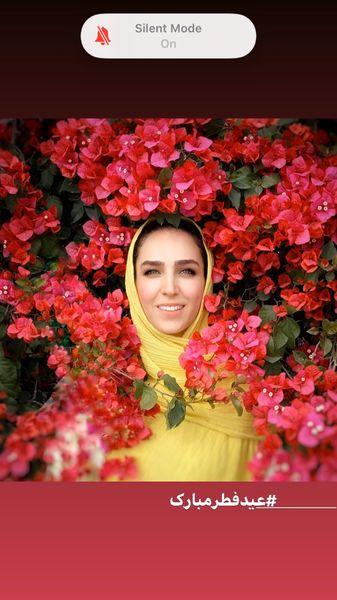 سوگل طهماسبی در میان گل های بهاری + عکس