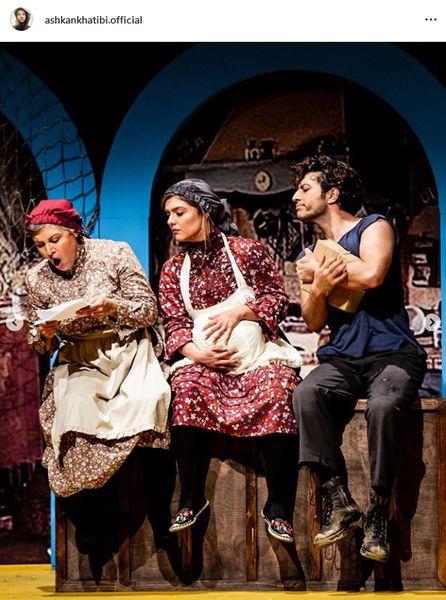 اشکان خطیبی با لباس خانه کنار خانم های بازیگر+عکس