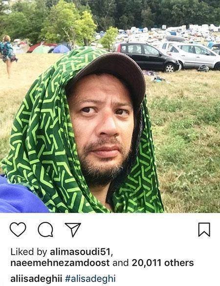 علی صادقی در یک کمپ خارجی