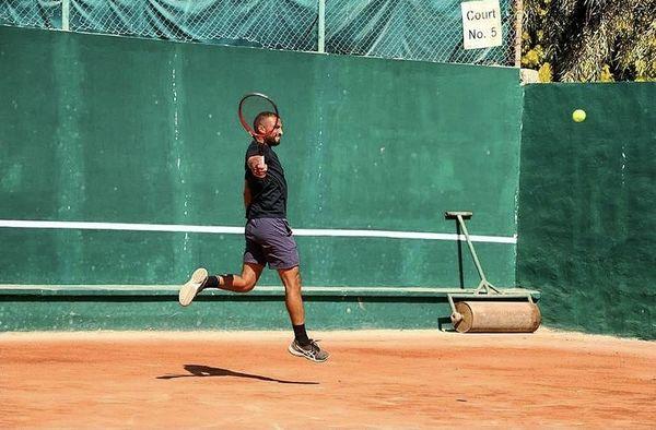تنیس بازی کردن حرفه ای امیر جدیدی + عکس