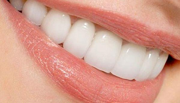 زمان مناسب استفاده از مسواک و نخ دندان