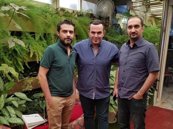 نیما کرمی در کنار بازیگر سریال قدیمی خانه ما + عکس