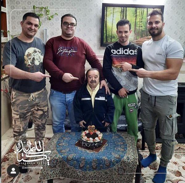 تولد اسدالله یکتا در خانه اش + عکس