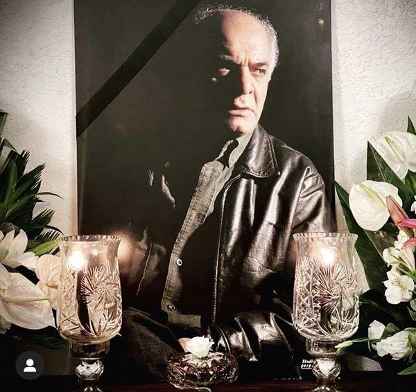 اولین عکس از مراسم مرحوم سیروس گرجستانی در منزلش + عکس