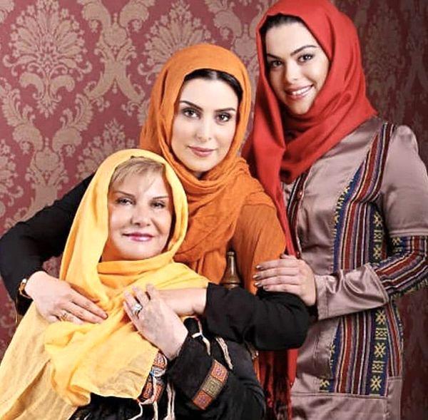 مرحوم ماهچهره خلیلی در کنار مادر و خواهرش + عکس
