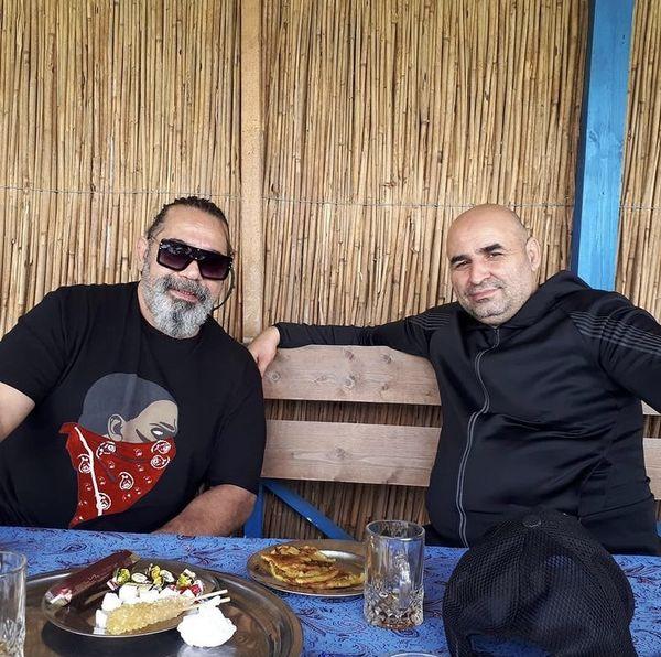 تفریحات دو بازیگر مشهور در کافه + عکس