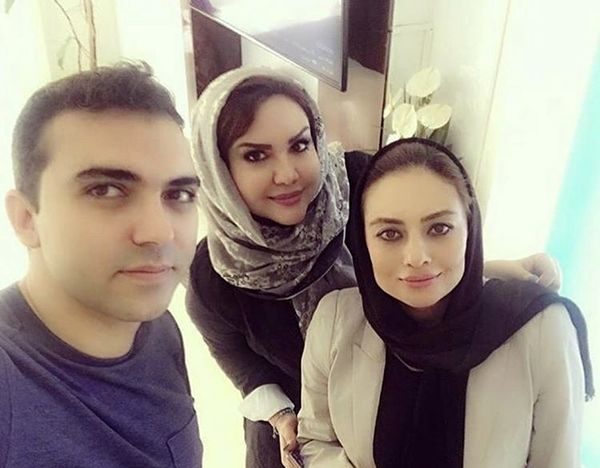 سلفی یکتا ناصر با دوستانش + عکس
