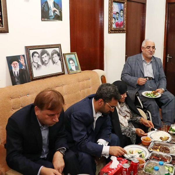 مهمانی آقای وزیر ارتباطات در رشت+عکس