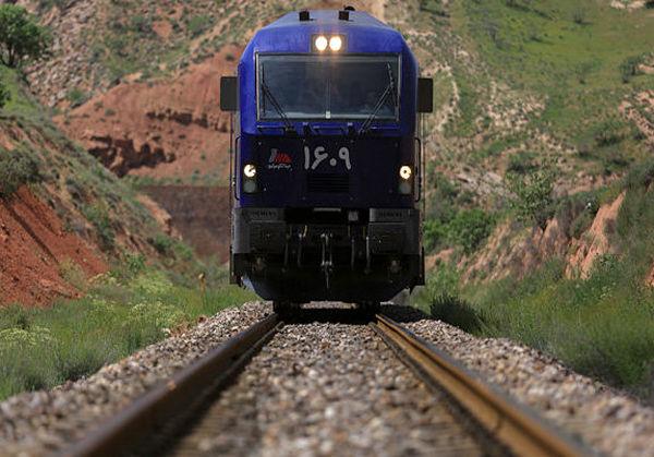 """""""قطار"""" شاید سال 1401 به اسلام آبادغرب برسد"""