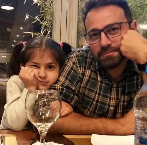 بازیگر سریال سرباز با دخترش در رستوران + عکس