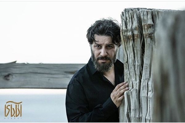 جواد عزتی در آتابای + عکس