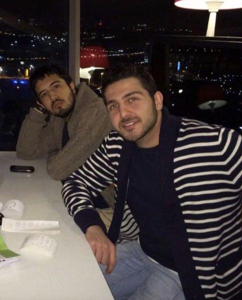 مهرداد صدیقیان ودوستمشهورش در یک رستوران + عکس