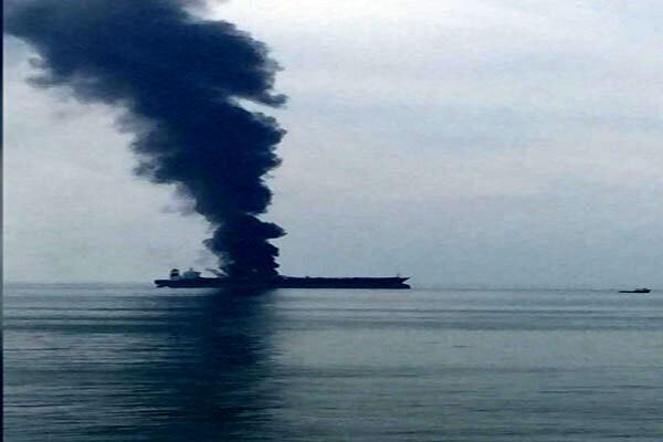 واکنش امارات به آتش گرفتن یک نفتکش در سواحل شارجه