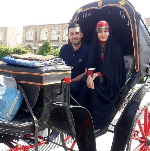 اصفهان گردی مژده خنجری و همسرش + عکس