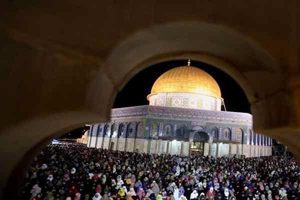 حضور ۲۸۰ هزار فلسطینی در نماز جمعه مسجد الاقصی