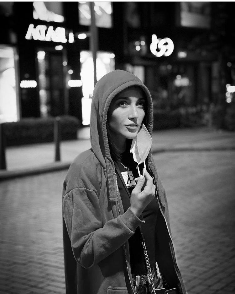 تیپ خاطره اسدی در خیایان های استانبول + عکس