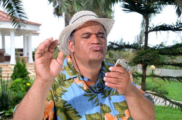 نادر سلیمانی با لباس های هاوایی + عکس