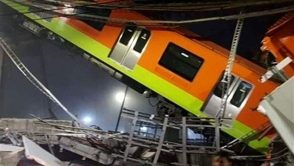 لحظه سقوط مرگبار قطار از روی پل + فیلم
