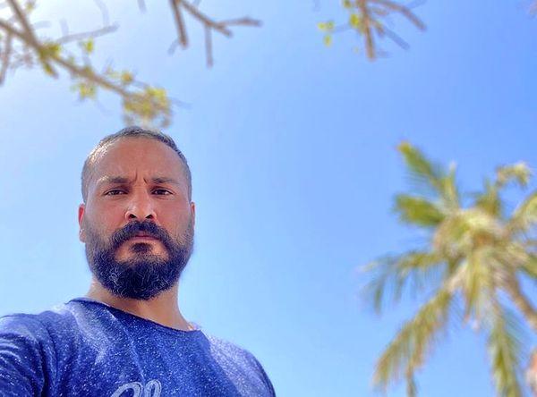 میلاد کی مرام زیر آسمانی آبی + عکس