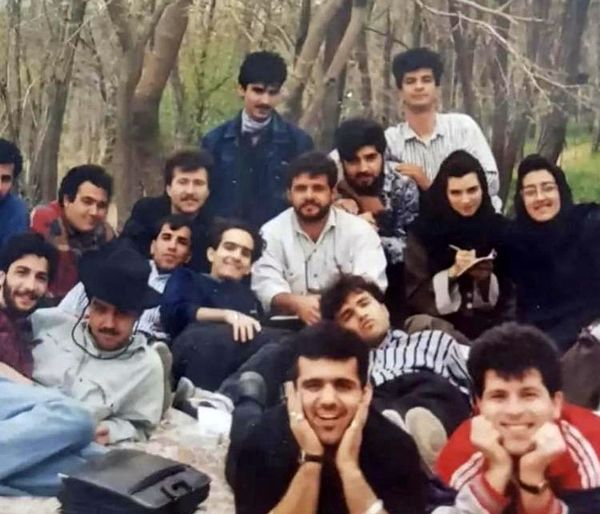 عکسی قدیمی از مهران غفوریان و دوستانش