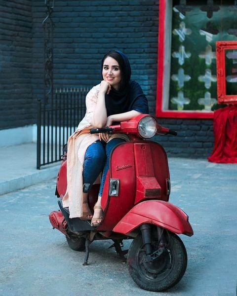 موتورسواری خانم بازیگر+عکس