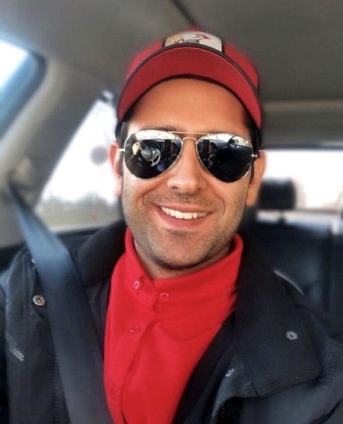 امیرحسین آرمان در ماشینش + عکس