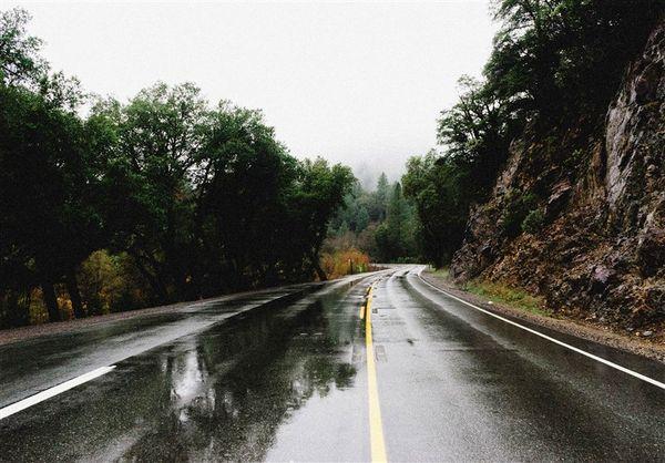 بارندگی محورهای ۷ استان را فراگرفت