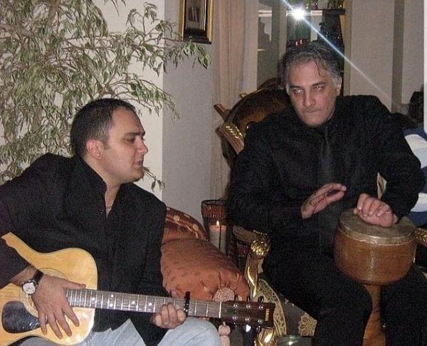 ساز زدن احسان کرمی به همراه بازیگر مشهور در یک میهمانی + عکس