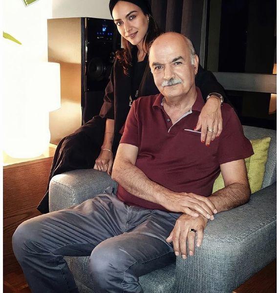 ایرج طهماسب و دخترش در خانه شان + عکس