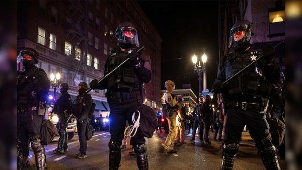 پلیس پورتلند اعلام وضعیت شورش کرد