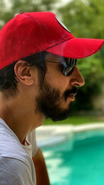 کلاه قرمزی بهرام افشاری + عکس