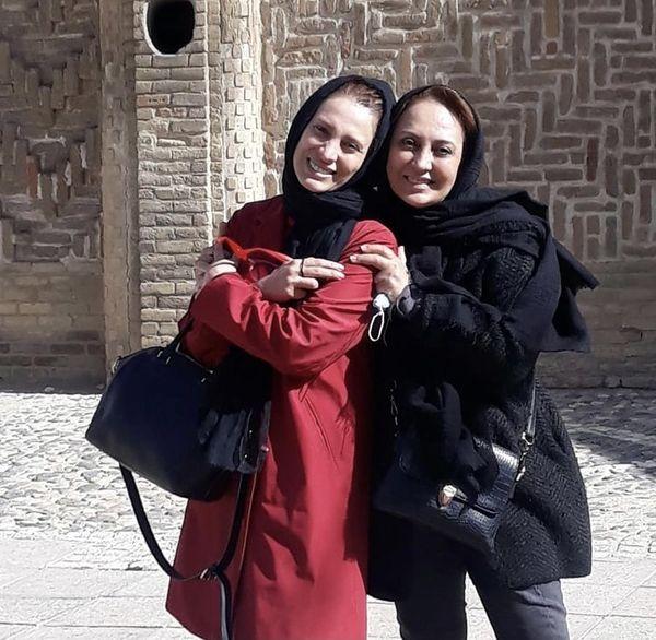 شیرین بینا در کنار دوست صمیمی اش + عکس