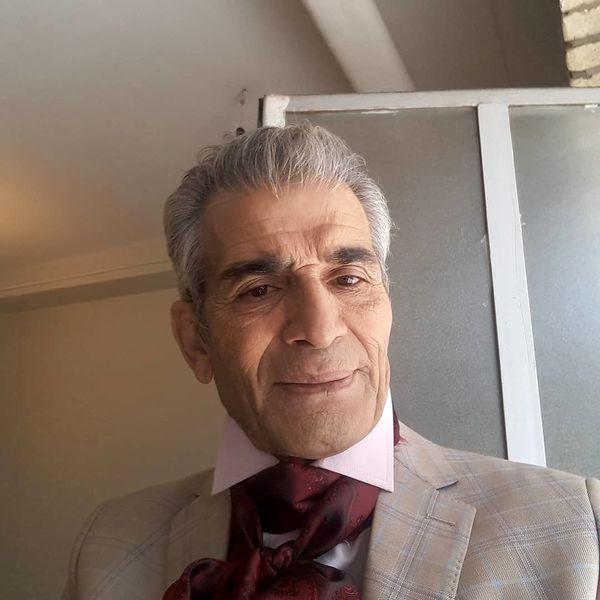 محمد شیری با دستمال گردن عجیبش+عکس