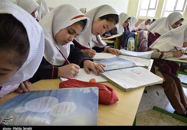 تفاوتی میان دانشآموزان ایرانی و اتباع خارجی وجود ندارد