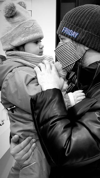 عاشقانه های شاهرخ استخری و دخترش + عکس