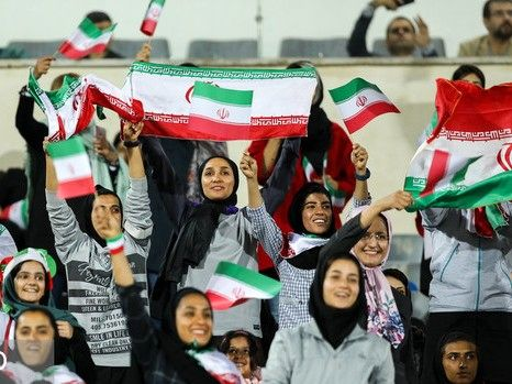 """بازتاب جهانی حضور زنان در """"آزادی"""""""