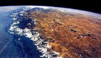 سیارکی به اندازه یک هواپیما در حال نزدیک شدن به زمین
