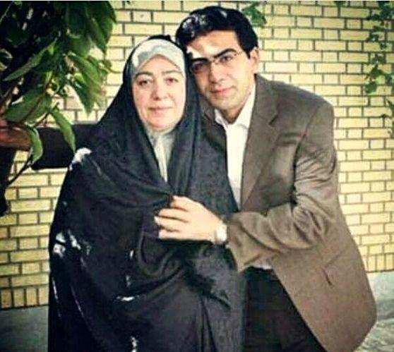 عکس مجری جنجالی تلویزیون و مادرش