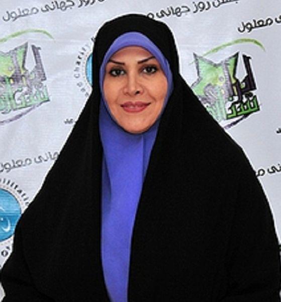 واکنش فعالان مجازی به برداشتن چادر مجری تلویزیون+عکس