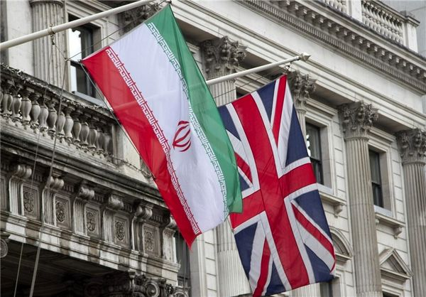 توییتر:: دلایل سفر وزیر امورخارجه انگلیس به ایران