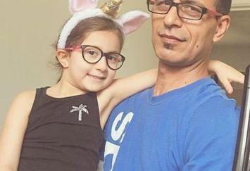دختر ناز شاهرخ استخری در آغوش پدربزرگش+عکس