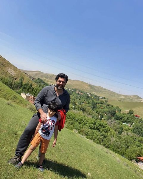 کارگردان هم گناه و پسرش در دل طبیعت + عکس