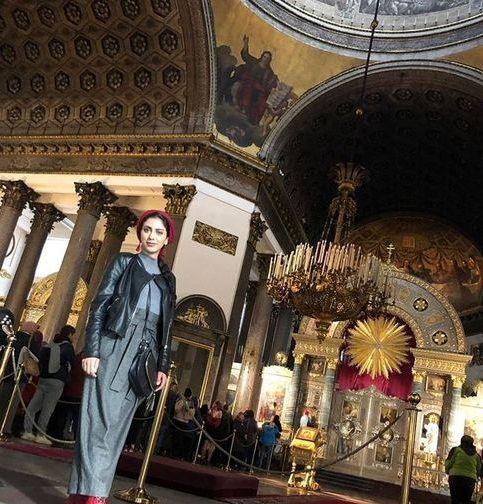 مونا فرجاد در کلیسای روسی+عکس