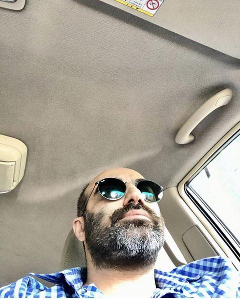 ماشین لاکچری محسن تنابنده + عکس
