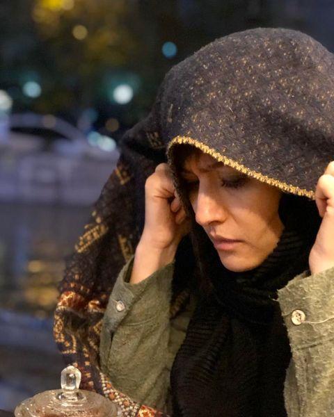 عکس پردیس احمدیه با پوشش عجیبش