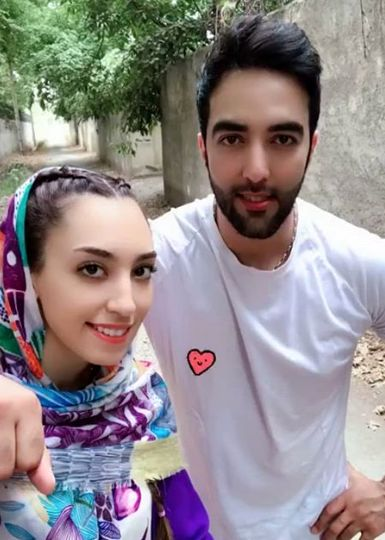 گردش کیمیا علیزاده و همسرش در تابستان+عکس
