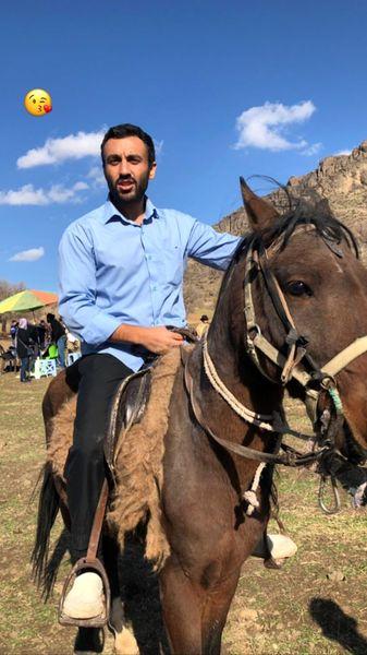 اسب سواری پسر بازیگر مشهور + عکس
