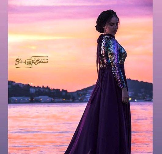 عکس زیبای هانیه غلامی با لباس مجلسی لب دریا