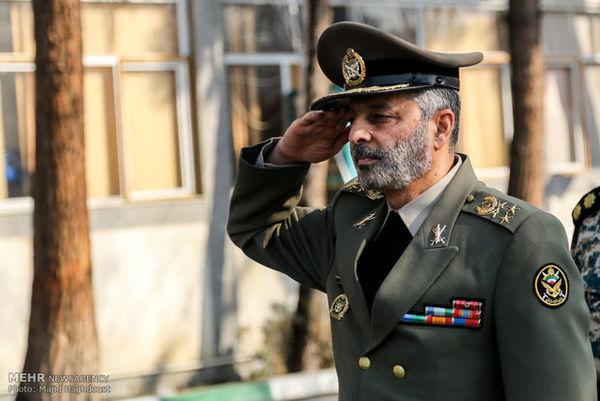 سرلشکر موسوی از تیپ ۳۱۶ زرهی همدان بازدید کرد